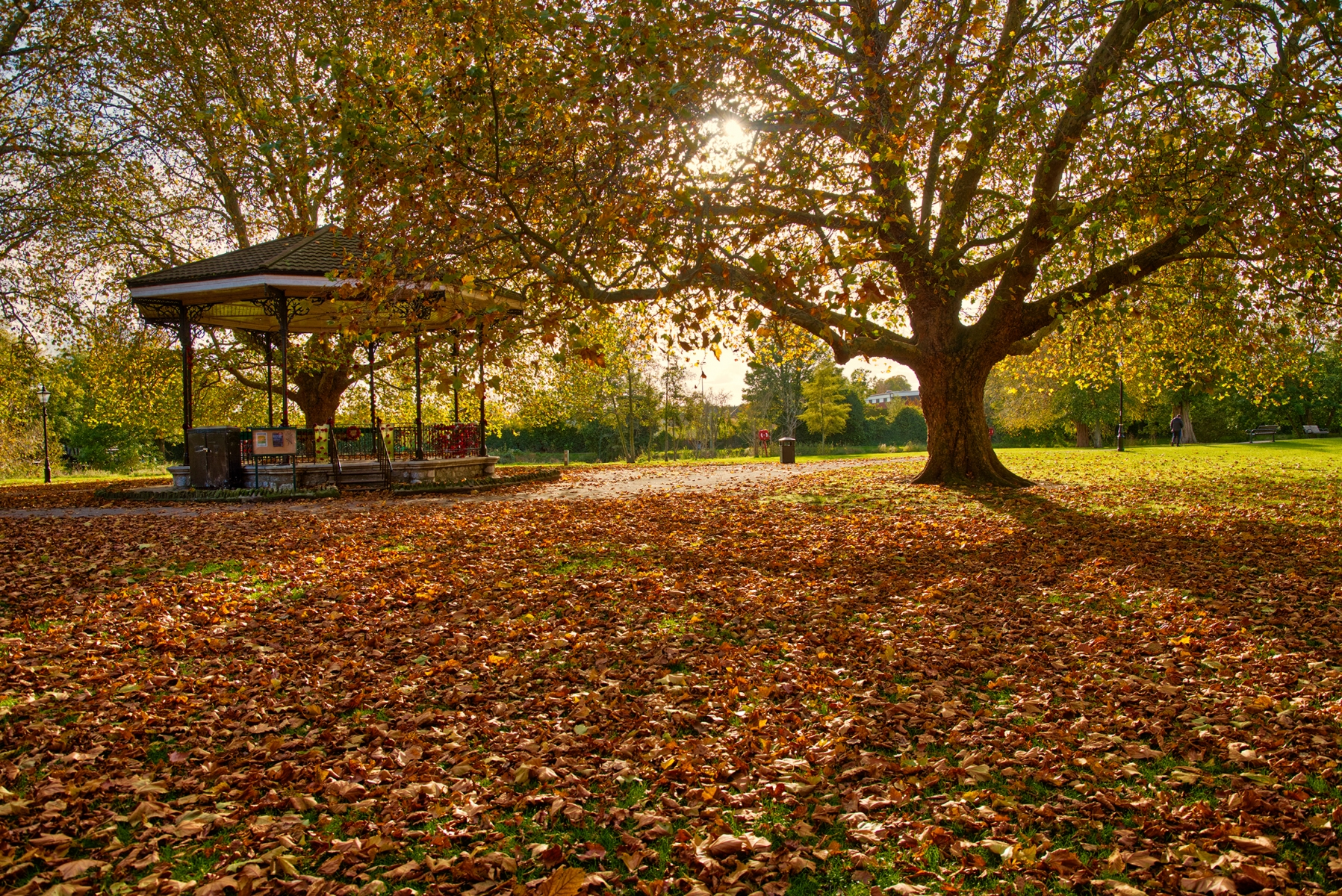 Bandstand, The Embankment, Bedford in Autumn