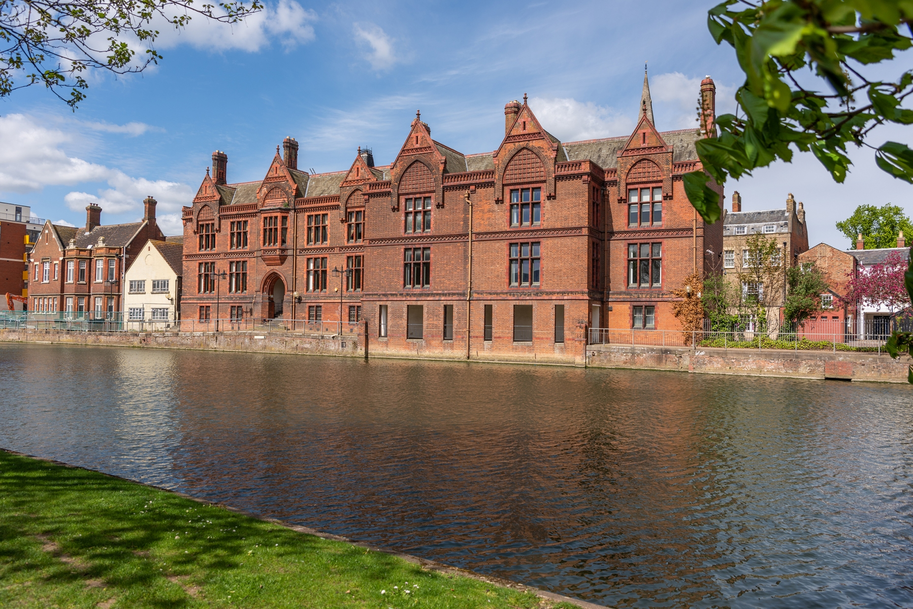 Bedford County Court viewed by the River Great Ouse