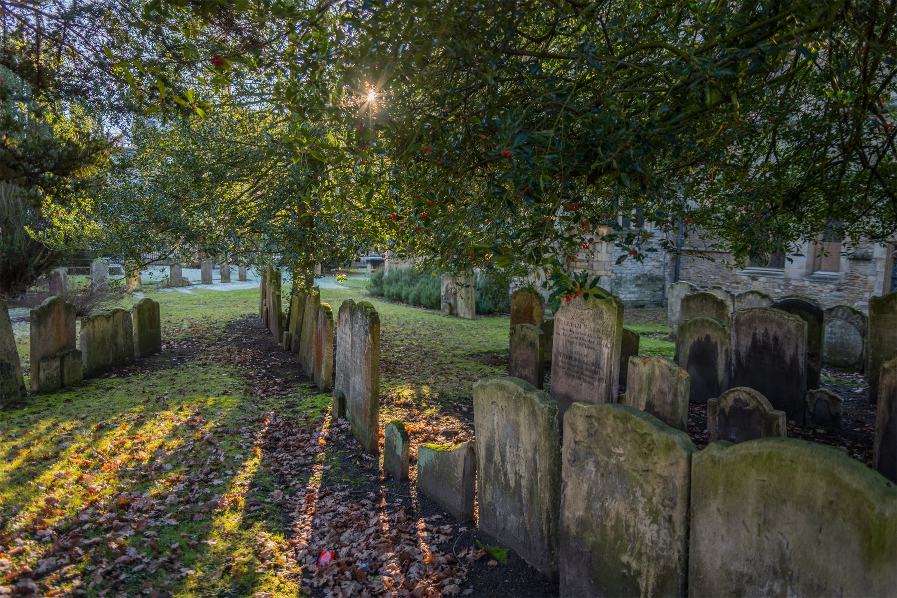 St Paul's Church graveyard, Bedford, Bedfordshire